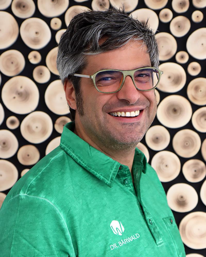 Dr. Roland Baerwald - Praxis Wurzelwerk - Zahnarzt & Spezialist für Endodontie